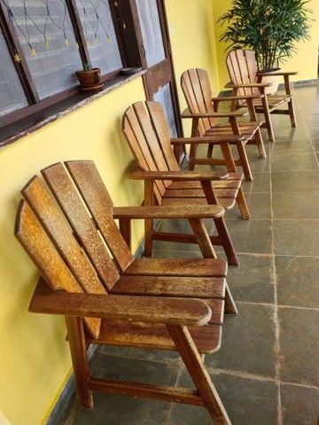 Vendo cadeiras de madeira - Foto 2
