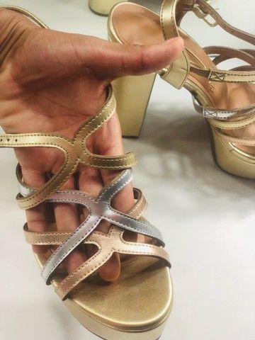 Sandália dourada  - Foto 3