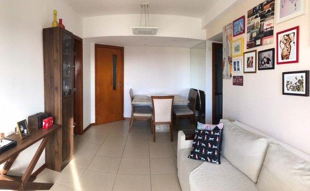 Apartamento à venda, 60m², 2/4, suíte, varanda, infraestrutura de lazer, no Imbuí - Salvad