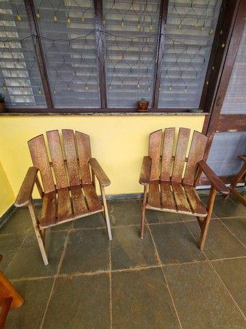 Vendo cadeiras de madeira - Foto 3
