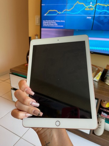 Vendo iPad de última geração Apple gold baixei pra vender logo  - Foto 3