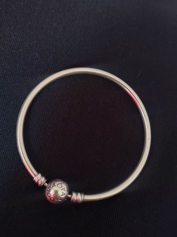 Bracelete rígido Pandora