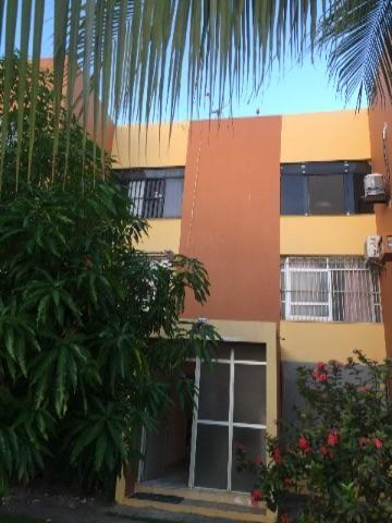 Alugo apartamento /condomínio área nobre da Coroa do Meio
