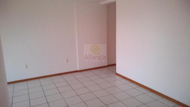 Apartamento para alugar com 3 dormitórios em Lagoa nova, Natal cod:LA-11237 - Foto 10