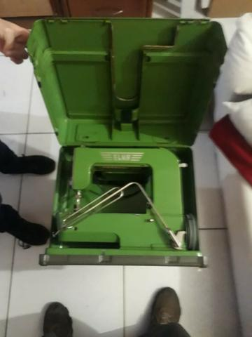 Raridade máquina de costura antiga ELNA completa - Foto 2