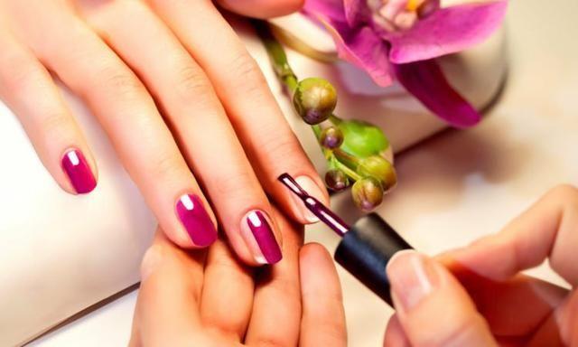 Procuro manicure/depiladora