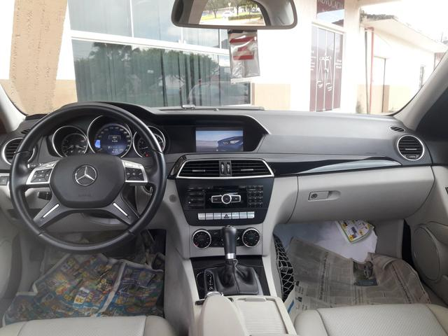 Mercedes-Benz C200 CGI Avantgarde 1.8 Turbo - Foto 6
