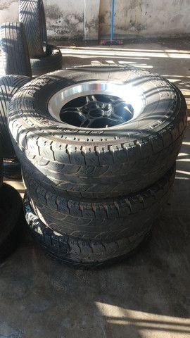 Vendo roda 17 de caminhonete barata - Foto 2