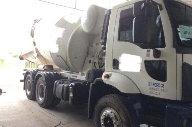 Ford cargo 2629 com betoneira  #Com sinal de : 25.500,00 + Parcelas .
