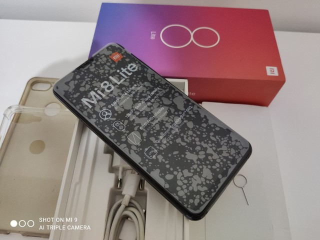 MI 8 Lite 65GB 4GB RAM telefone muito novo - Foto 3