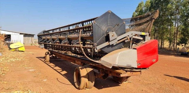 Trator Colheitadeira Massey Ferguson MF 9690 ano 2013 - Foto 2