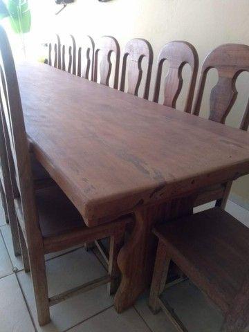 Mesa de 4x1m com 15 cadeiras
