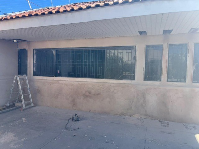 Vilas Boas/Janela de Ferro reforçada com Grade e Vidros em perfeito estado - Foto 2