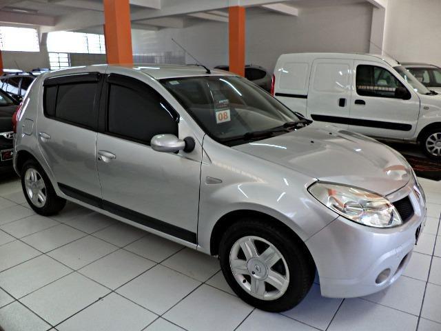 Renault Sandero 1.6 Privilege + 4 Pneus novos e Ipva Pago