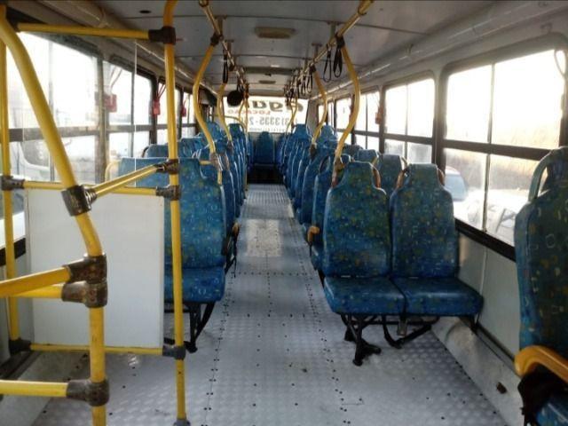 Ônibus urbano Caio Apache / !722 - 2006 - Foto 2