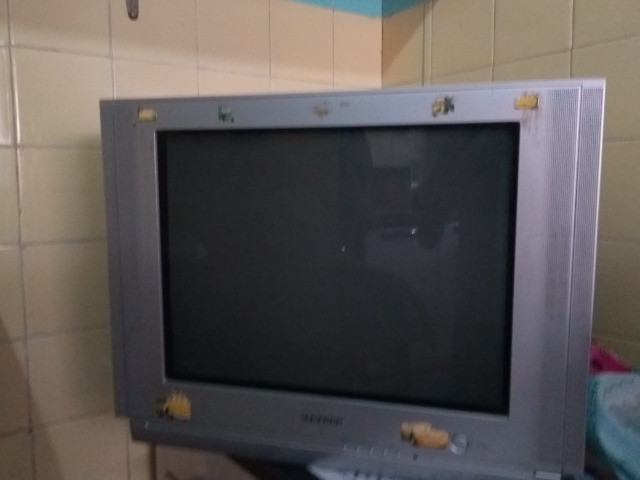 Vendo tv 21 polegadas 100 - Foto 2