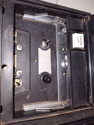 Rádio compact cassete tape recorder marca crowncordet 10 transistor  duas faixas SW , MW , - Foto 2