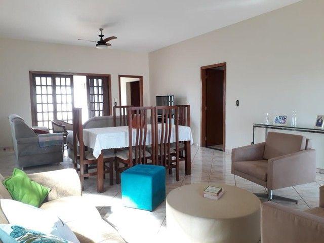 Casa térrea 5 quartos sendo 2 suítes, bairro Jardim Itália  - Foto 4