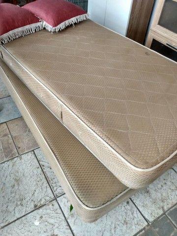 Vendo cama box  de solteiro, usado