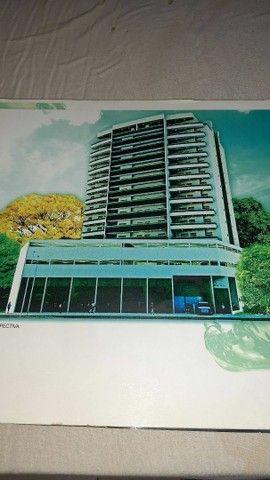 Excelente apartamento de 2 quartos,  Excelente edifício e localização.