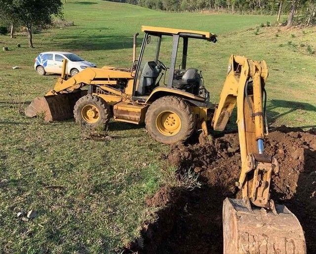 Trator retro escavadeira Caterpillar 416D