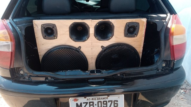 Vendo ou troco essa caixa de som por 500$ - Foto 6