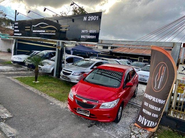 Onix Hatch LT. 1.0 2015 oportunidade