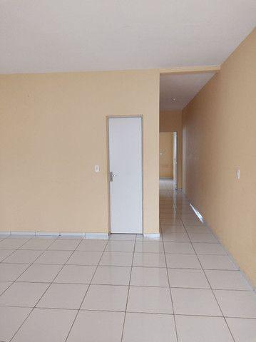 R$ 550,00,ZAP 9  * casa ,2 quartos , 2 banheiro,sala ,cozinha ,varanda e garagem.  - Foto 4