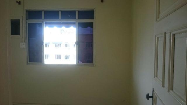 Apt no Manoel Julião, c/ 2 quartos e garagem