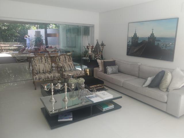 A.L.U.G.U.EL/V.EN.D.A Casa 4 suítes mobiliada e decorada no Alphaville Salvador I - Foto 4