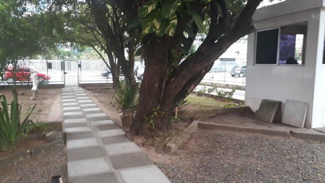 Vendo/Alugo quarto e sala, mobiliado no Itaigara Cod. 100 - Foto 13