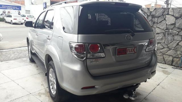 Toyota Hilux Sw4 3.0 Srv 4x4 - Foto 3