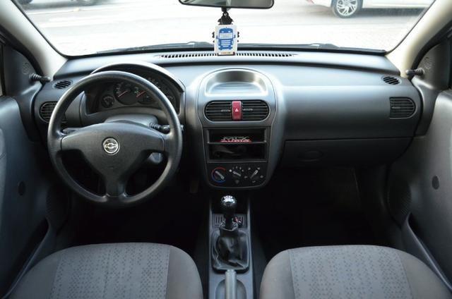 """Corsa Hatch Maxx 1.4 - Legalizado Baixo - Rodas aro 15"""" - Foto 3"""
