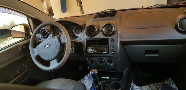 Ford Fiesta único dono