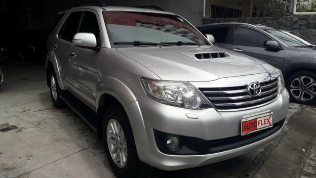 Toyota Hilux Sw4 3.0 Srv 4x4 - Foto 6