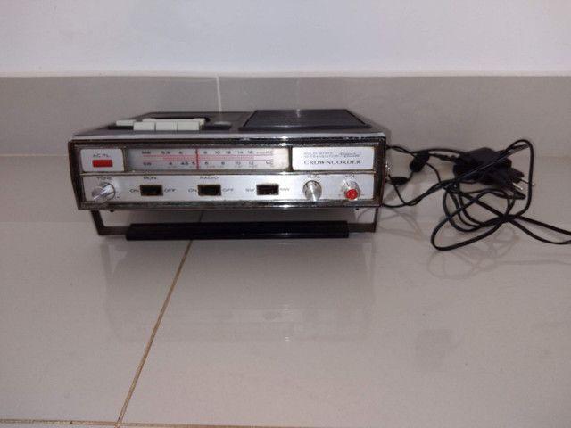 Rádio compact cassete tape recorder marca crowncordet 10 transistor  duas faixas SW , MW , - Foto 5