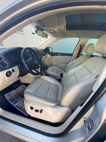 VW Tiguan 2.0 TSI 2011 top de linha com rodas 18, teto solar e interior caramelo - Foto 9