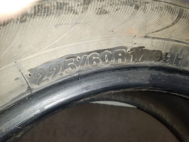 Vendo ou troco  pneus para camionete aro 17 - Foto 2
