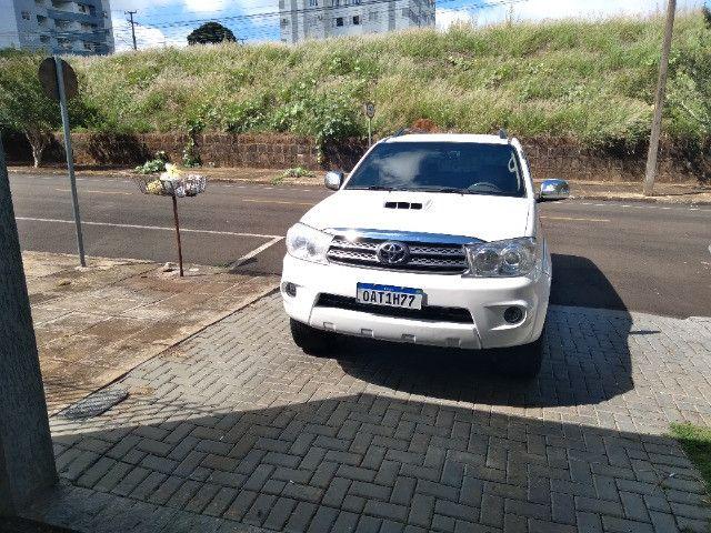 hilux sw4 7 lugares diesel - Foto 2
