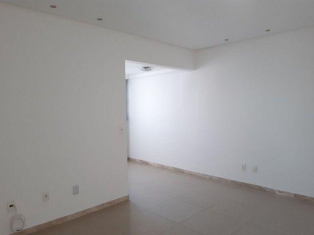 Apartamento com 2 dormitórios, sendo 2 suítes, 70 m² por R$ 1.400/mês - Cond. Solar do Atl - Foto 4