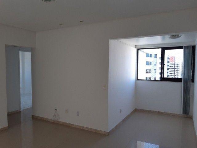 Apartamento com 2 dormitórios, sendo 2 suítes, 70 m² por R$ 1.400/mês - Cond. Solar do Atl - Foto 2