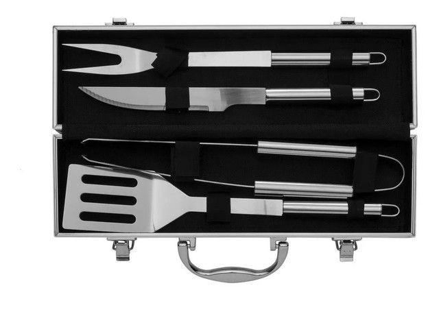 Kit churrasco com 4 peças em aço inox + maleta de alumínio