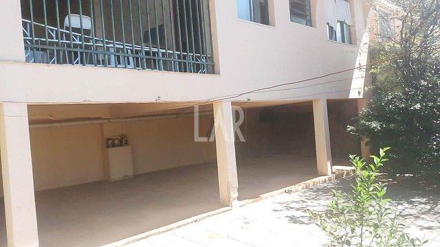 Casa com 04 quartos e excelente localização - Foto 15