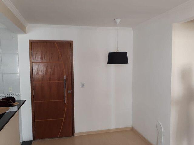 Apartamento de dois quartos financiado e reformado próximo ao centro de Belford roxo - Foto 4