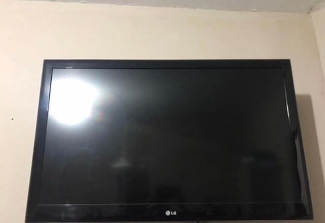 Tv LG LCD   HD 42 polegada não possui smart