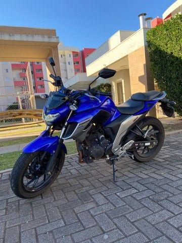 Vendo Moto Fazer 250 - 19/20 - Super conservada - Foto 2