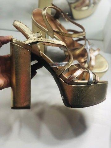 Sandália dourada  - Foto 2