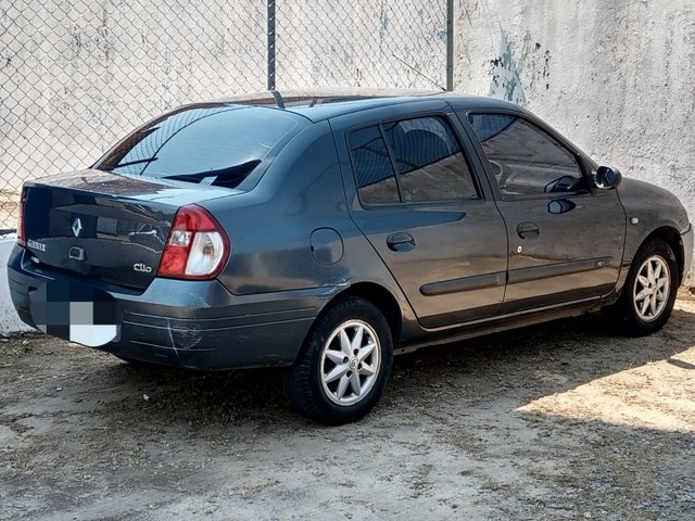 Renault Clio sedã documentos ok