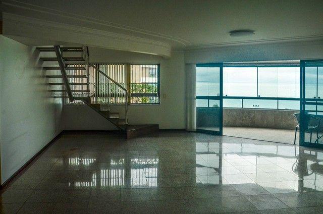 Cobertura duplex com 311m² na Ponta Verde