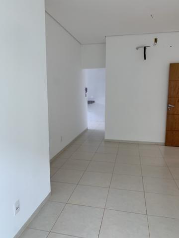 Residencial Golden: apto novo, amplo, de 2 quartos sendo 1 suite, segurança 24 horas - Foto 3